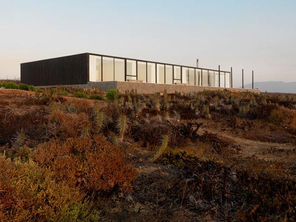 House W in Huentelauquén, Chile by 01Arq