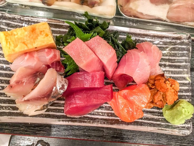 Tsukiji Fish Market: The best sashimi of our lives!