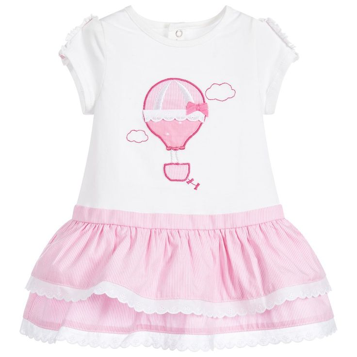 Adorable pink and ivory capped sleeved dress by Mayoral Newborn, with anappliqué hot air balloon decorating the front. Made comfortable soft and stretchy jersey with a layeredcotton poplin skirt.