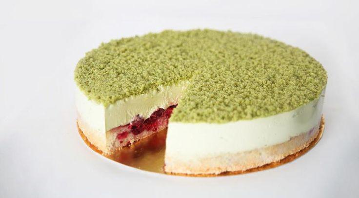 Торт «Фисташковый с вишней»