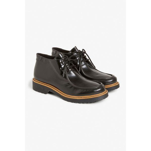 Monki Chukka boots (465 NOK) ❤ liked on Polyvore featuring shoes, boots, black magic, chukka shoes, vegan footwear, black vegan boots, vegan shoes and faux leather shoes