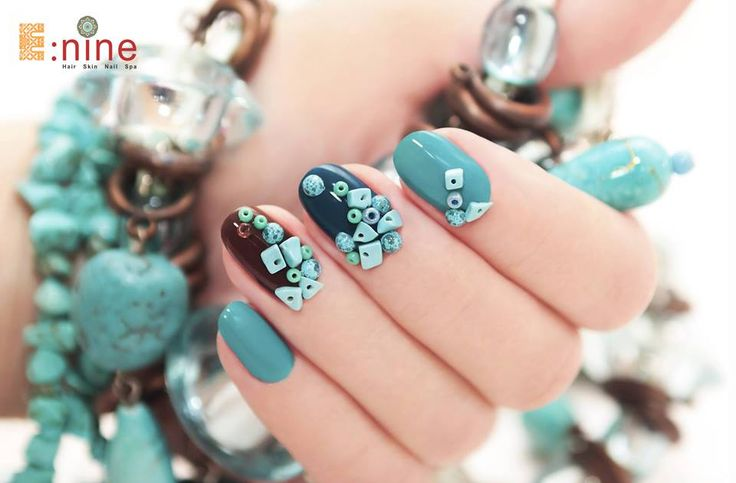 Hire the professional nail art service provider, famous nail artist, nail design ideas and many more @weddingdoers