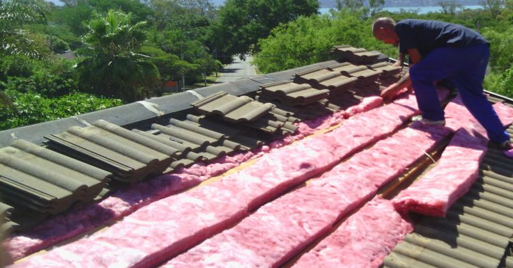 Aerolite (Think Pink) going into a house.