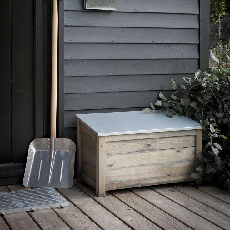 25 best ideas about outdoor storage boxes on pinterest pool storage box deck storage bench. Black Bedroom Furniture Sets. Home Design Ideas