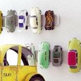 Barra magnética para ordenar los coches