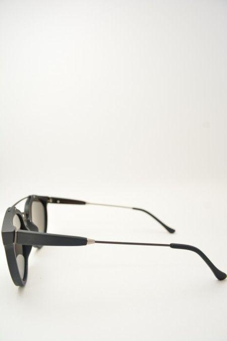Super GIAGUARO black matte sunglasses #Sunglasses #Super #Retrosuperfuture #BlackMatte #ClassicShape #Giaguaro #Black #BassanoDelGrappa #DesignGlasses #Design #Bridge on line store at www.bassanooptical.com