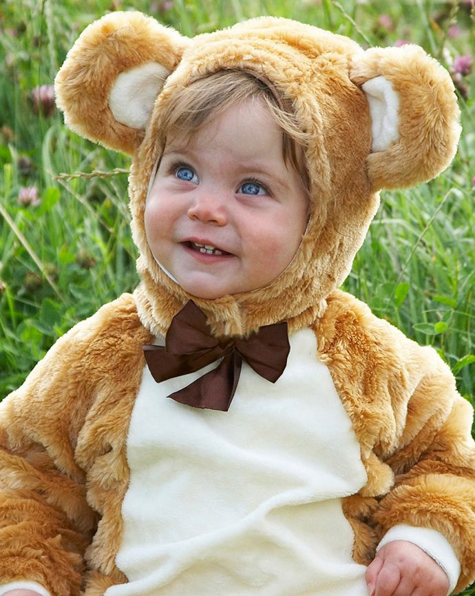 No teddy bear's picnic party would be complete without this adorable teddy bear costume! Perfect for a kids' fancy dress party or a teddy bear picnic.