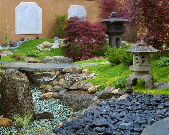 Fascinating river rock landscaping pictures asian for Building a japanese garden in your backyard