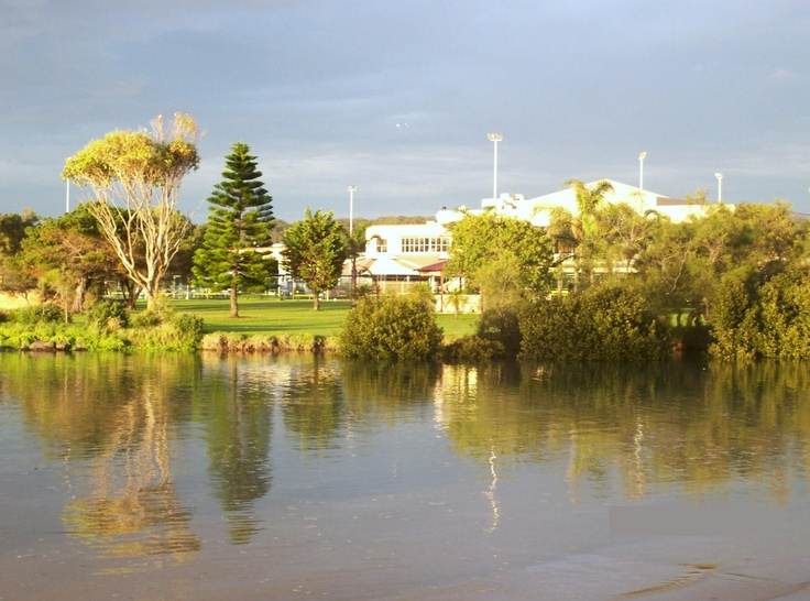 Little Lake- Warilla Bowls and Recreation Club