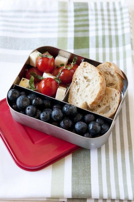Need school lunch ideas made with real food? Yup, no boxed foods in these healthy school lunch plans!