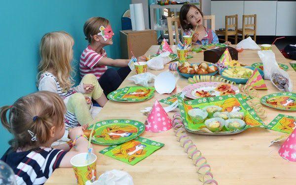 Spiel Kindergeburtstag am Tisch Stopp