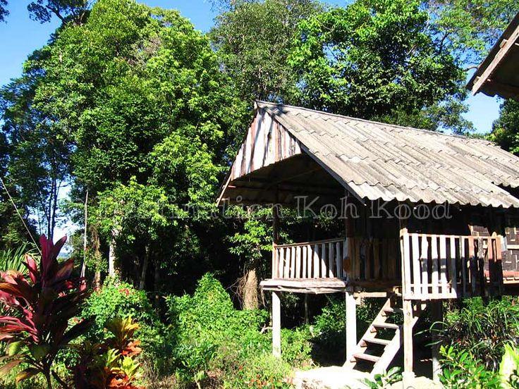 Wooden huts @ Jimmy Hut (Koh Kood, Thailand)