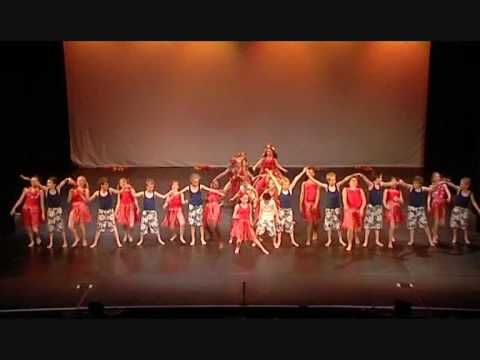 ▶ Halstead Primary School at Chance to Dance 2009: Hot, Hot, Hot! - YouTube
