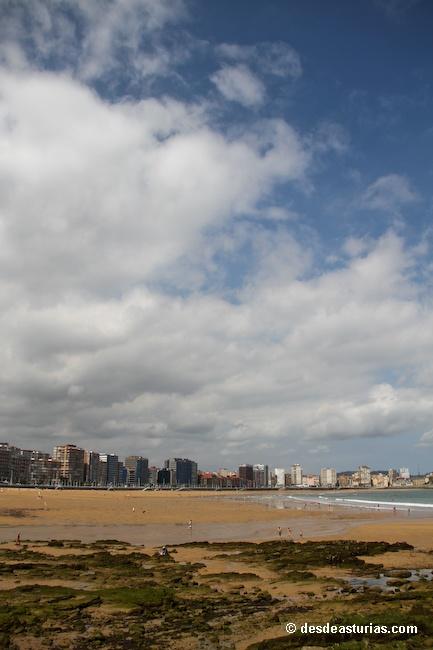 Playa de San Lorenzo Gijón. Playas Asturias [Más info] http://www.desdeasturias.com/playa-de-san-lorenzo-gijon/