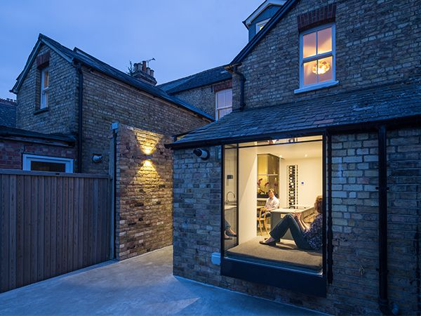 """Completed inSpring 2015, this glazed side-return creates an elegant kitchen and dining space for an East Oxford terrace.The client said,""""The side return has changed our kitchen from a narro…"""
