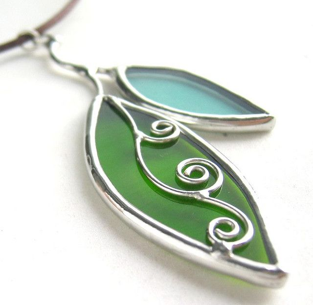 Leaves stained glass pendant | Flickr - Photo Sharing!