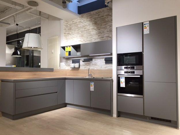 Moderne einbauküchen grau  Die 25+ besten Ideen zu Graue küchen auf Pinterest | Hellgraue ...