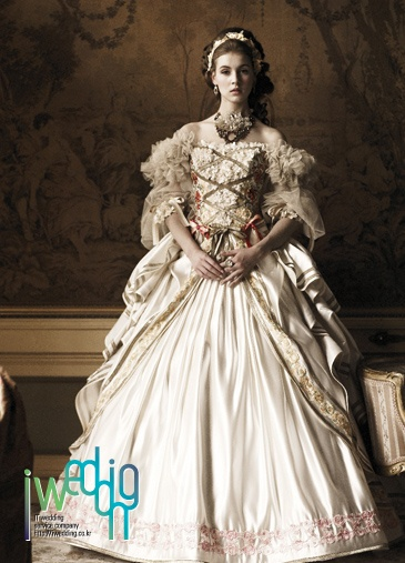 [아이웨딩 iwedding] Unique Wedding Dress, DeniCheur