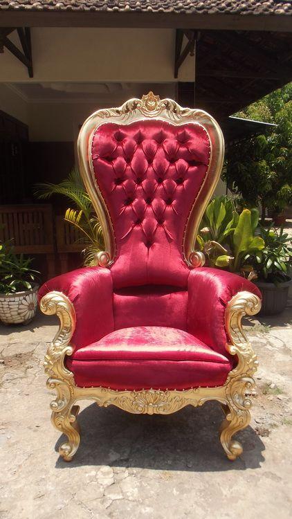 Ce somptueux fauteuil tr ne pour p re no l est disponible for Le pere du meuble furniture