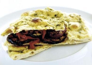 Tosta de Legumes marinados e grelhados com humus e chutney   Gazela Sparkling Dry White