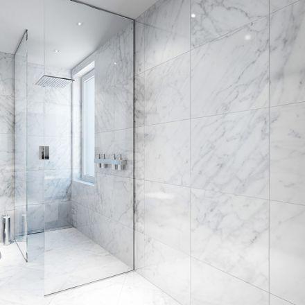 Les 25 meilleures id es de la cat gorie salle de bain for Carrelage de marbre blanc