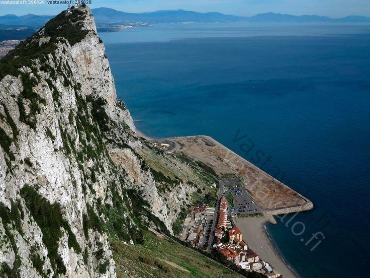 Kuva: Gibraltar - Gibraltar vuori meri jyrkänne maantie korkeus pudotus seinämä - Kuvatoimisto - Photostock Vastavalo.fi