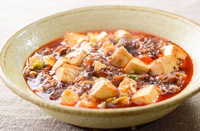家庭で食べる中華料理の定番 挽き肉から出た脂を使って調味料を炒める