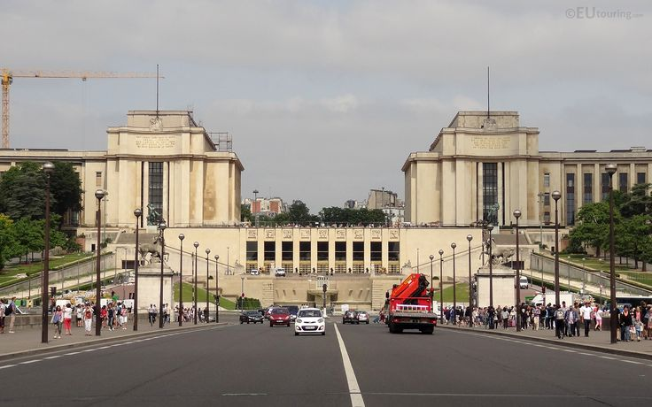 Taken while on the Pont d'Iena, looking over the Trocadero Gardens with Palais de Chaillot.  Daily updates at www.eutouring.com/images_palais_de_chaillot.html