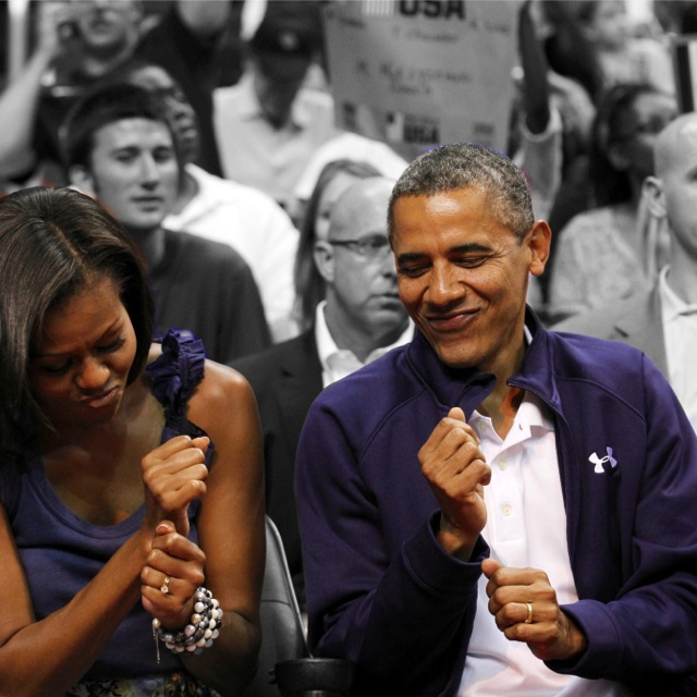 Mr. & Mrs. Obama,w/ First Lady Michelle, as well as (THEIR) family