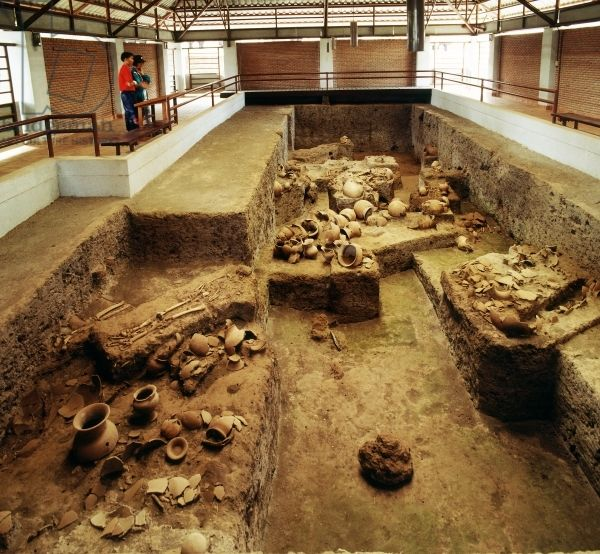 Archeological site located in Nong Han district; discovered in 1966, the site attracted enormous publicity due to its attractive red painted pottery;  Location  Ban Chiang, Udon Thani Province, Thailand