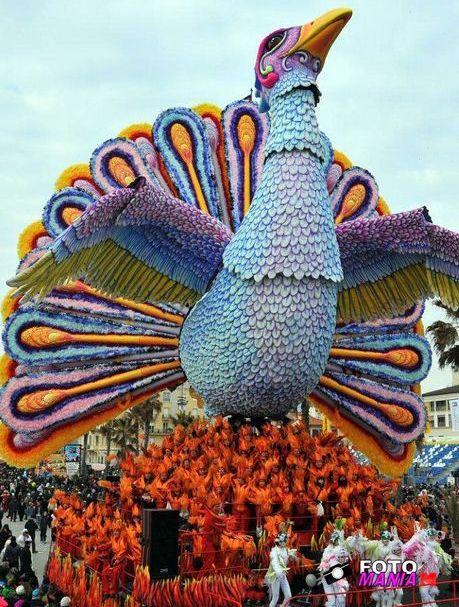 """Carnevale viareggio 2012-prima categoria """"Phoenix""""#carnevale #viareggio - Repinned by #hoteltettuccio Montecatini Terme"""