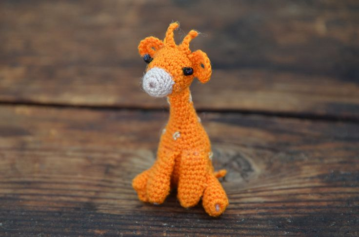 háčkovaná žirafa/ crocheted giraffe