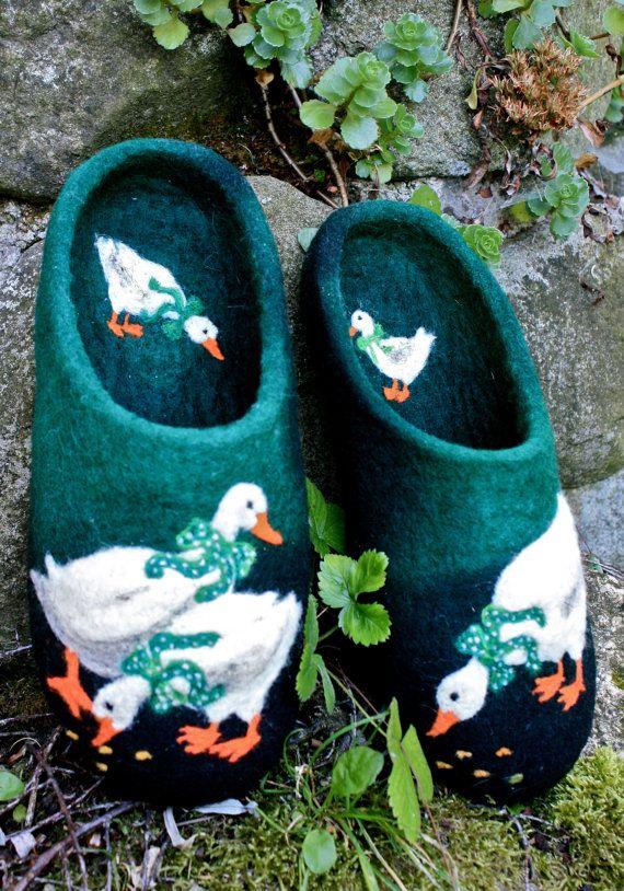 Felted Slippers Little ducks Green ♡ by IrinaU on Etsy