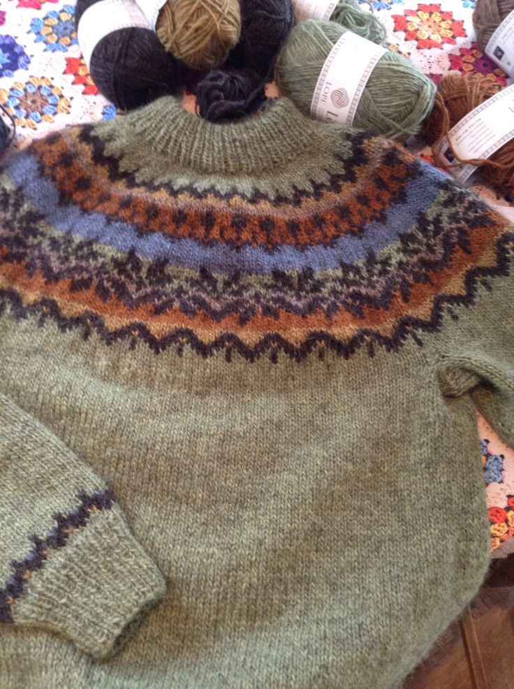 Just finished my first lopapeysa... First time to knit on circular needle, loved it and finished jumper in under 2 weeks, mainly knitting in the evening. Can't wait to go back to Iceland to restock on Lopo. Simple easy to follow free pattern 'Afmaeli'