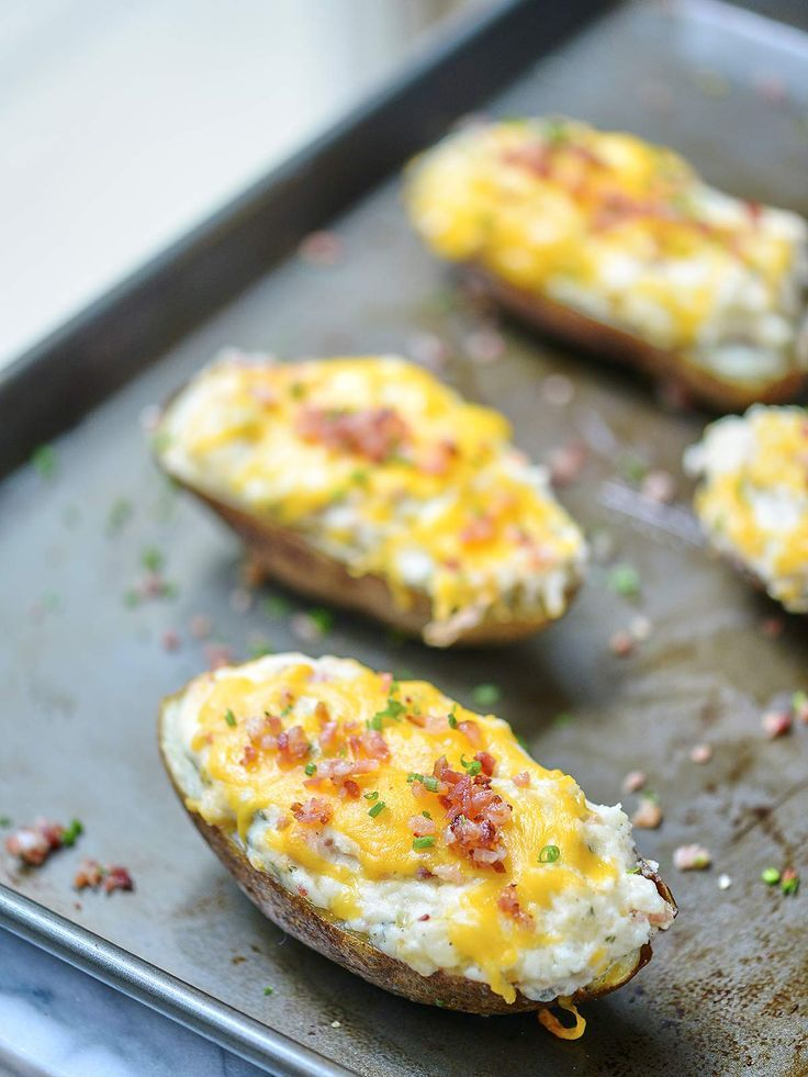 Jalapeno Popper Twice Baked Potatoes - a twice baked potato filled with all of your favorite jalapeño popper ingredients!