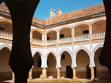 El Patio Mudéjar del Palacio de Sotofermoso, en Abadía.
