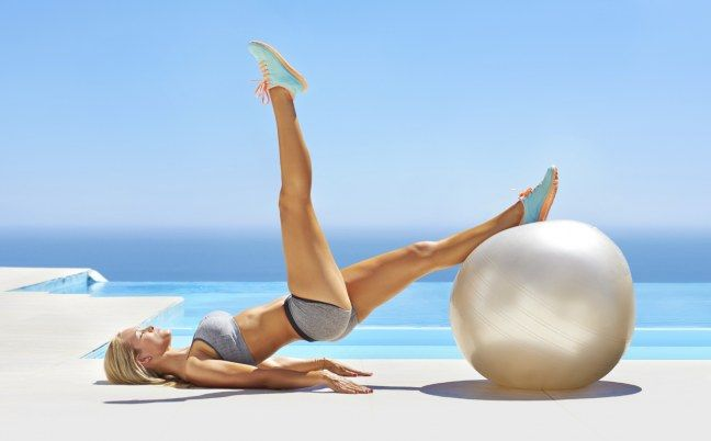 Swiss ball : exercices de fitball avec un swiss ball