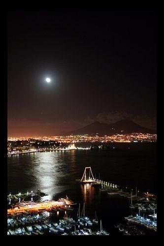 Magic Moon in Naples
