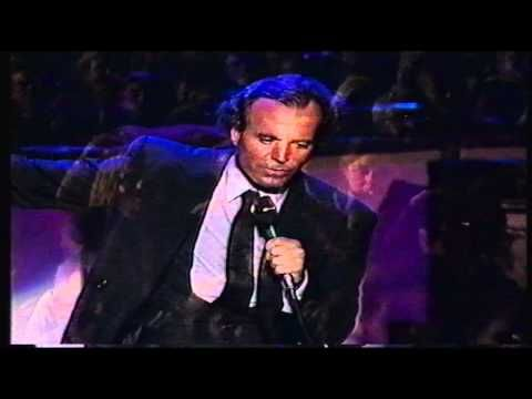 ▶ Julio Iglesias en concierto 3D - Abrazame - Barcelona 1988 - HD - YouTube