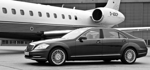 Best Limo And Car Service In New York Town Country Is Reliable Car Service Limousine Company For Putn Airport Limo Service Heathrow Airport Reliable Cars