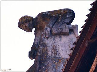 Lukian F.M.: Statuia de pe acoperişul Bisericii Negre
