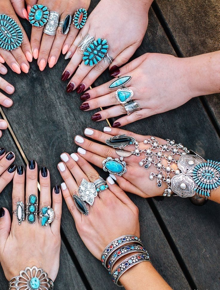You can never have enough turquoise. http://yourgreatfinds.net/