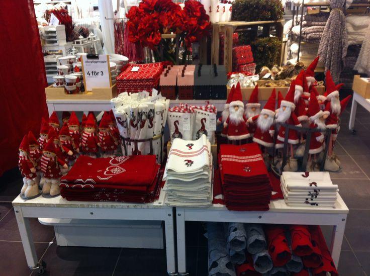 Visual merchandiser. Christmas at HEMTEX.