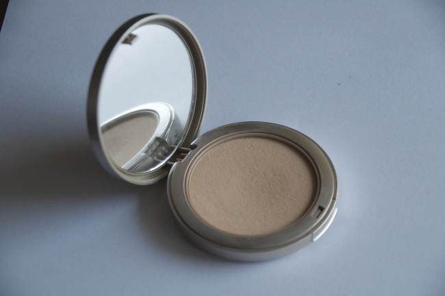 Artdeco Hydrating Mineral Powder Foundation