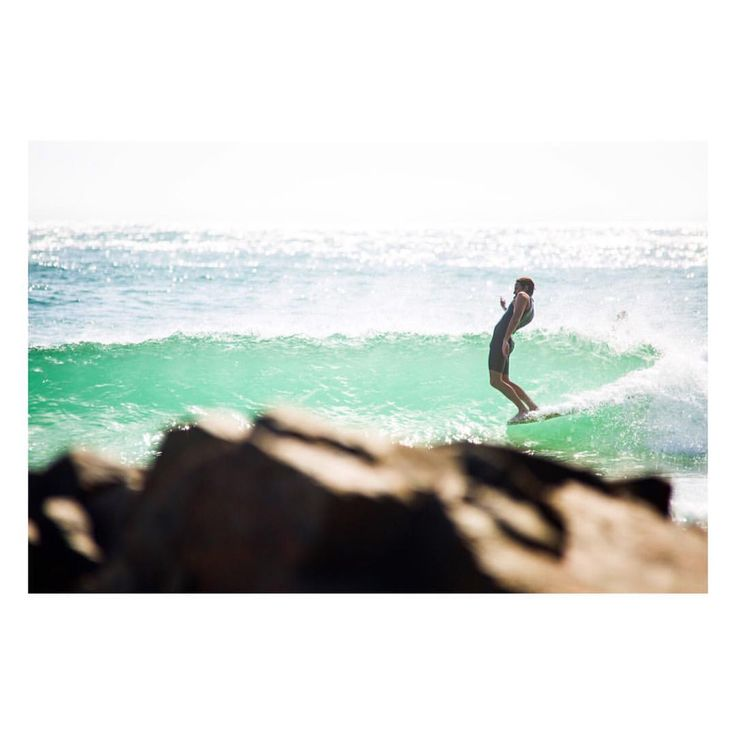 The master of nose riding @finesurfcraftbyandrewwarhurst featured in the recent issue of @foam_symmetry ~ sweet shot by @miasara ✌️ #topheads #finesurfcraftbyandrewwarhurst #miasara #sunshinecoast #qld #foamsymmetry #epic #surfing #toesonthenose #bondi #beach #sunglasses #australia www.topheads.com.au