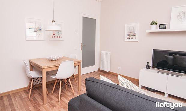 #proyectosantalo #iloftyou #interiordesign #ikea #barcelona #lowcost #diningroom #eameschair #bjursta #ranarp #ribba #lack #besta #kivik