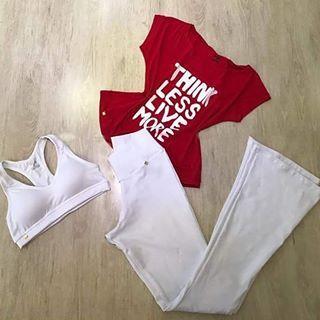 Mais uma opção de look super descolado para você já sair do treino pronta para o trabalho 😉  #artstilo #euuso #euamo #Fitness #look #lookdodia #moda #Academia