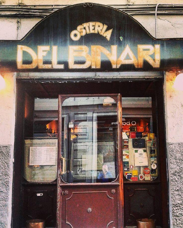 Milano rétro..  #Milano #Milan #ig_milano #pocketmilano #MilanoToday #milanodavedere #MilanoEterna #rétro #vintage #oldstyle #oldfashioned #design #decor #Delbinari #osteria #PortaGenova #belleépoque #liberty #stylish #style #viaTortona #antique #antiquity #visiting #timeless #grandeur #magnificence #tagsforlikes #bestoftheday #picoftheday by man_from_another_place