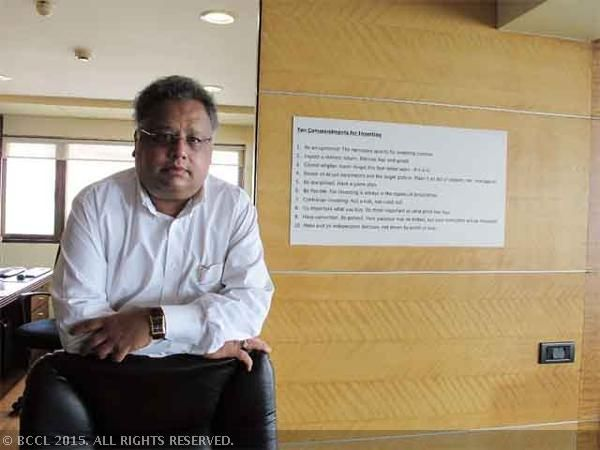 Rakesh Jhunjhunwala makes huge bid in IndiGo IPO - The Economic Times
