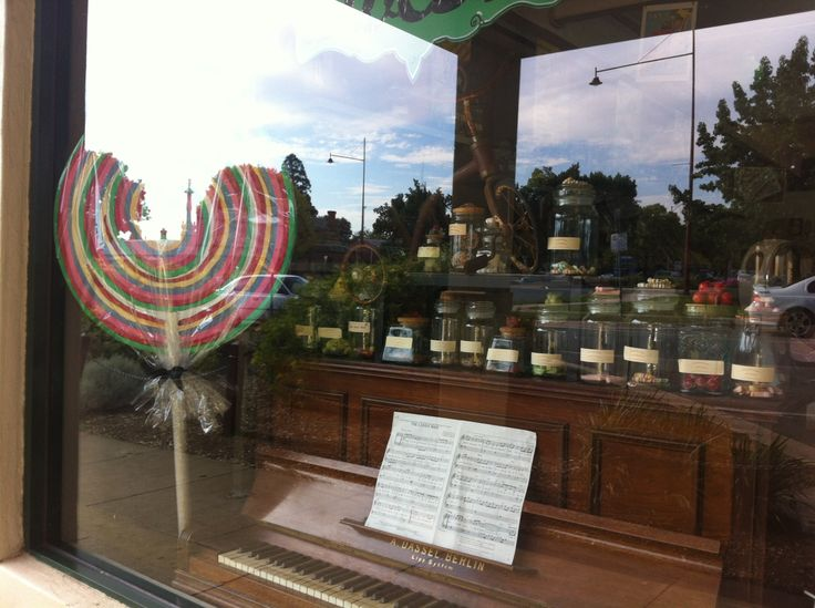Candy Man #mansfieldmtbuller #giant lollypop #piano #candy #candyman